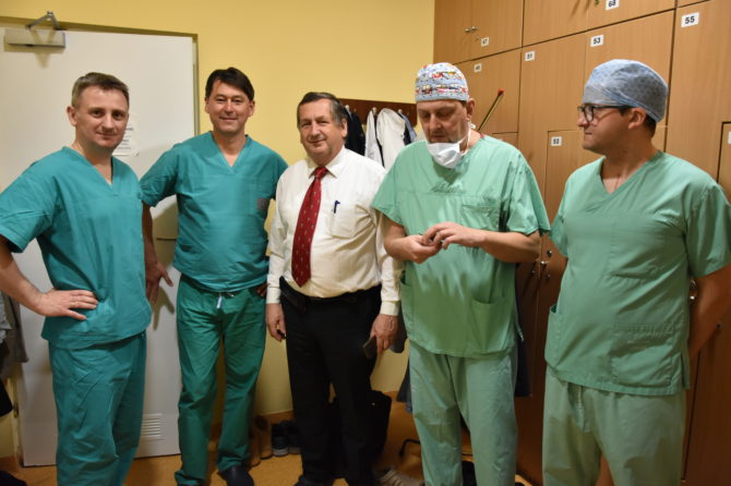 Pierwsza w Polsce, innowacyjna operacja odwróconej rekonstrukcyjnej endoprotezoplastyki stawu ramiennego z wykorzystaniem implantu typu custom made