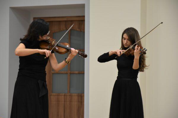 Koncert skrzypcowy z okazji Dnia Kobiet w Szpitalu
